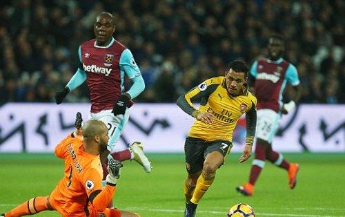 Football - Premier League - West Ham / Arsenal [Live]