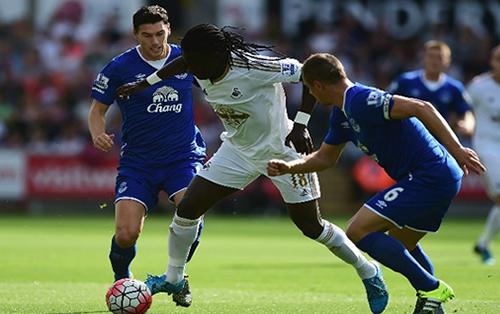 Football - Premier League - Everton / Swansea [Live]