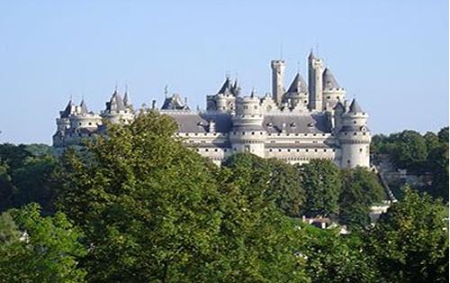 Les châteaux de France : pierrefonds